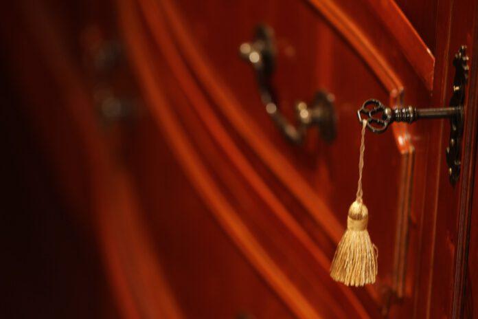 Colore pareti camera da letto con mobili in ciliegio
